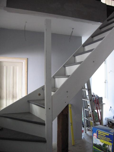 Már a helyén a lépcső