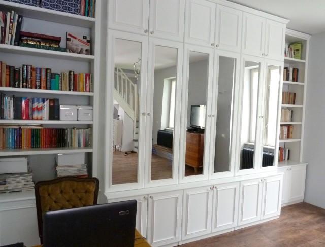 Beépített szekrény a nappaliban