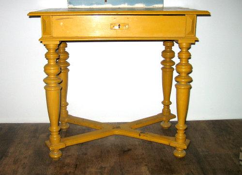 asztalka_before_kicsi