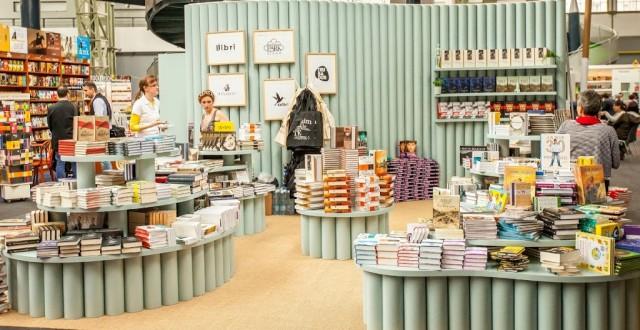 Libri stand