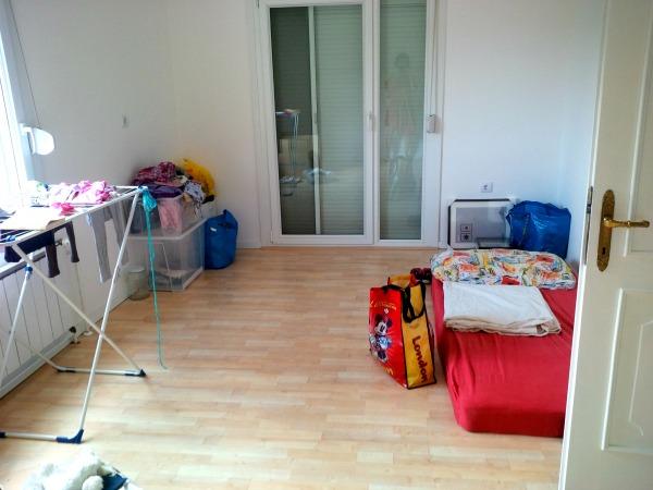 A szoba eddig raktárként funkciunált