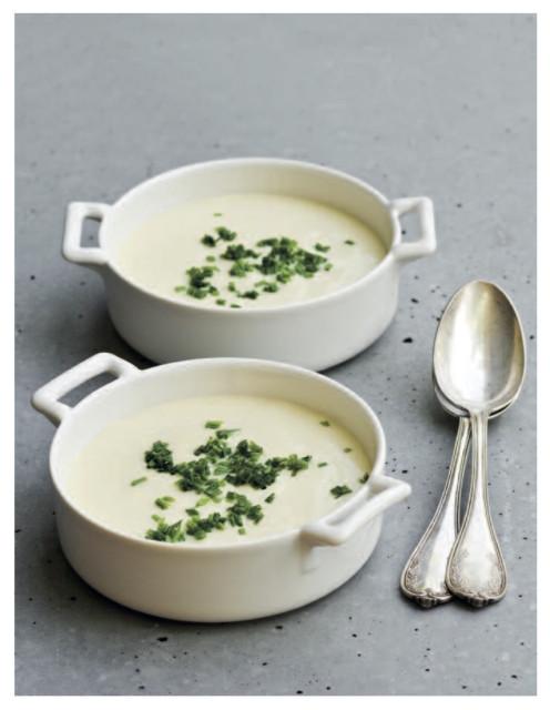 Hideg póréhagyma leves (Az asztal 7 vége)