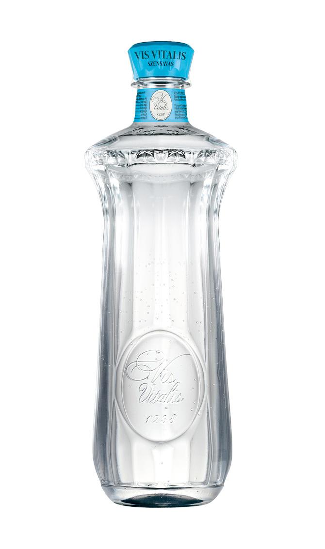 Vis Vitalis ásványvíz. Tervezte Unger Zsolt. / Vis Vitalis mineral water designed by Zsolt Unger