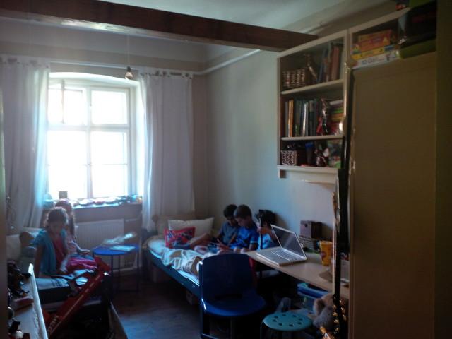 A fiúk szobája / Kicsiház