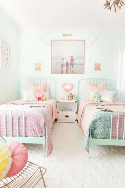 Így dekorálj képekkel a gyerekszobában / Kicsiház
