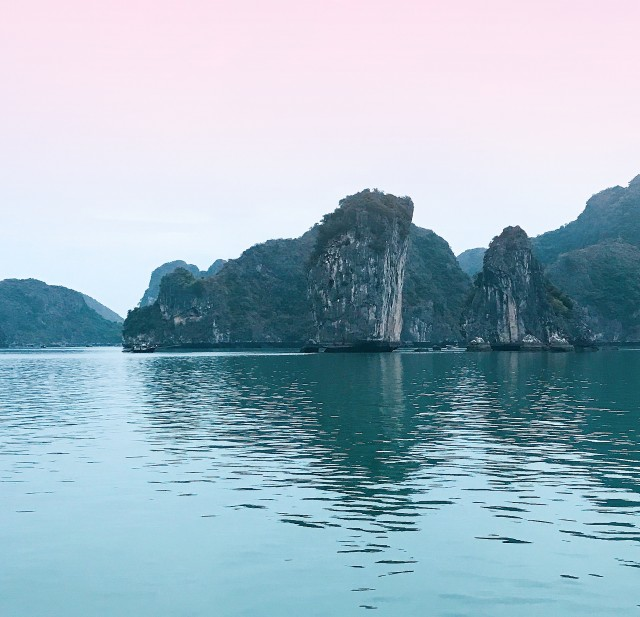 """Sailing Rocks"""